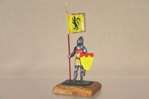 BRITAINS STADDEN TRADITION BRITISH MEDIEVAL KNIGHT with STANDARD 2nv