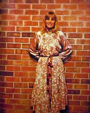 SKEETER DAVIS country clipping 1980s color photo Grand Ole Opry brick wall 8x10