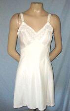 Vintage Modern Maid Molded Magic White Full SlipSize Small