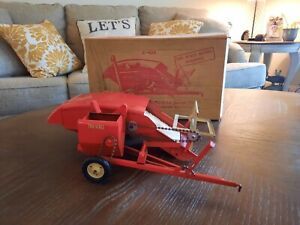 Vintage Tru Scale Model C- 406 Combine with Box
