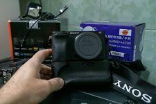 Sony Alpha a6300 Mirrorless Digital Camera + 2 Batterie | battery grip