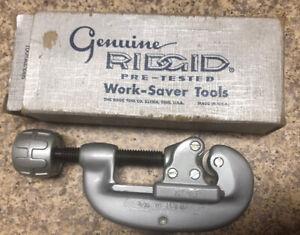 Ridgid 32920 Model No. 15 3/16-1-1/8 5mm-28mm Screw Feed Tubing & Conduit Cutter