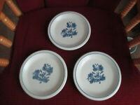 "Vintage LOT OF 3 Pfaltzgraff Stoneware YORKTOWNE Bread / Dessert Plates 6 7/8"""