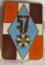 IN12521 - INSIGNE 57° Régiment d'Infanterie, quartiers 2 et 3 marron