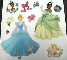Stickers muraux paillettés Princesses Disney Tiana Aurore Cendrillon