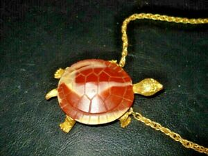 Vintage Signed Celebrity Goldtone & MARBLE LOOK Turtle Necklace