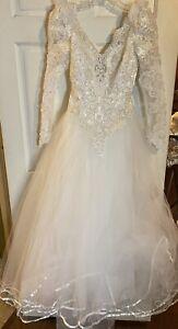 """Pallas Athena"" Wedding dress size 4~Princess Style w/Beads, Sequins, Lace~EXC!"