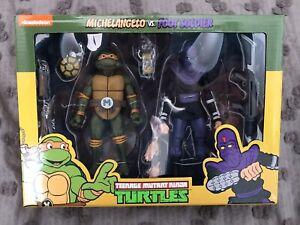 NECA Teenage Mutant Ninja Turtles Michelangelo vs Foot Soldier 2-Pack