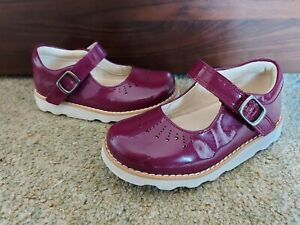 Girls Infant Clarks patent leather Shoes Size 7F uk