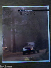 MINT 1998 CHEVROLET CHEVY BLAZER 39 PAGE DEALER SALES BROCHURE
