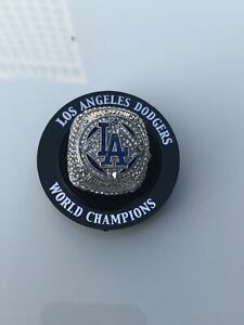 2020 Los Angeles Dodgers World Series replica ring sga 9/2 In Hand Drillers