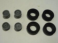 Carrera Exclusiv 124 4 Felgen + 4 Reifen für Bastler