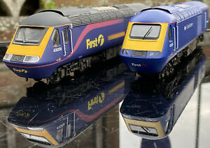 Hornby First Great Western Class 43 HST Dynamic Lines & FGW Barbie Set