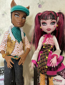 Mattel Monster High First Wave/Release Draculaura and Clawd Wolf Forbitten Love