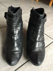 Clarks Ladies Black Heeled Ankle Boots Size 8. Good Condition.