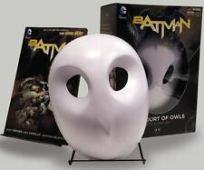 Batman: The Court Of Owls Mask And Book Set (the New 52): By Scott Snyder