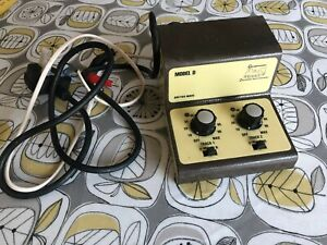 """GAUGEMASTER MODEL D TWIN TRACK CONTROLLER (FOR """"N"""" & """"OO"""" SCALE LAYOUTS)"""
