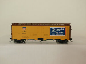 Walthers H0 910-3507 40' Steel Meat Reefer Kansas Packing Co. Art #91661 in OVP