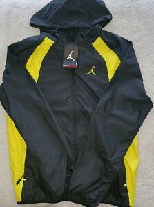 """Nike Air Jordan """"WINGS"""" Windbreaker Jacket Black & Yellow Size Small 897884-017"""