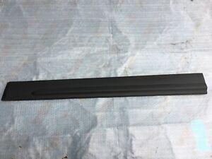 KIA SORENTO II LEFT FRONT RIGHT LOWER DOOR MOULDING OEM 87724-2P000