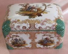 Bonbonnière boite bijoux porcelaine Saxe Meissen  XIXème décor scènes galantes
