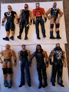 8 Wwe Wrestling Figures. Used