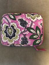 Vera Bradley Case for iPad 2 with the zipper excellent condition
