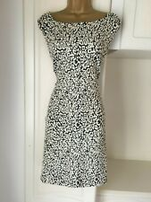 Dorothy Perkins size uk 20 nwt unlined but thickish shift dress  bust 48""