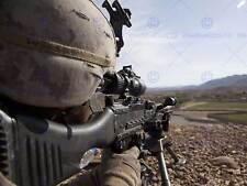 Guerra militar Ejército Soldado Pistola Rifle Marine línea vista Poster Print BB3395A