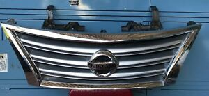 GENUINE 11/12-12/17 NISSAN PULSAR B17 SEDAN FRONT GRILLE/GRILL, WITH HANDLE.