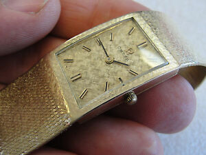 STYLISH MENS 14K SOLID 57 grams GOLD OMEGA SQUARE QUARTZ WATCH WITH MESH BAND