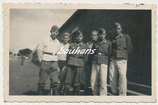 Foto Luftwaffe Soldaten teils mit Orden  2.WK (g974)