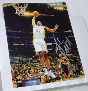 Autographed Josh Powell Signed LA Lakers 8x10 Action Basketball Photo (UDA COA)