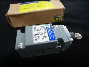 UNUSED SQUARE D ROLLER LIMIT SWITCH BY SCHNEIDER. METAL BODY.