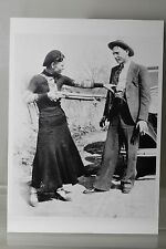BONNIE AND CLYDE 1932  Art-Postcard  NEW