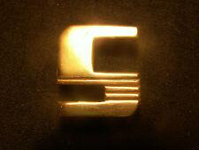 monogramme lettre initiale maroquinerie cuir bagage art deco laiton doré neuf S