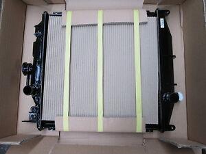 SUZUKI SWIFT ENGINE COOLING RADIATOR NEW VALEO