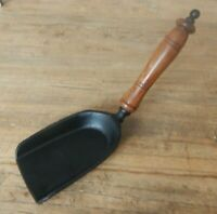 Fireside Shovel Cast iron Wood handle Fireplace Keep tidy Dust pan Antique style