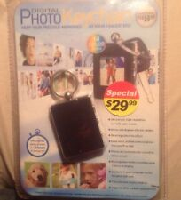 Innovage Products Digital Photo Keychain 60 Color Photos 8Mb W/ Charger, NEW!!!