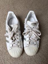 Mojado Calle Gaviota  Las mejores ofertas en Adidas Zapatos Plata Para Niñas | eBay