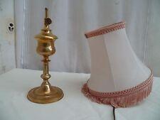 Ancienne petite lampe d'appoint à huile bronze L.R électrifier