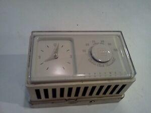 Vintage 1960 Minneapolis Honeywell Clock Thermostat T852 Retro Look Deco