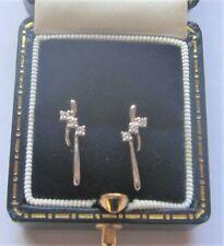 A Pretty Design Diamond Earrings in 9ct White Gold