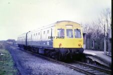 PHOTO  1989 BARTON-UPON-HUMBER RAILWAY STATION A DIESEL MULTIPLE UNIT WAITING AT