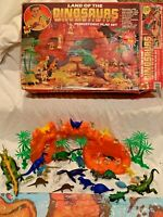 1992 Toy Street Land Of The Dinosaurs Prehistoric Playset Plastic Cave Men #4700