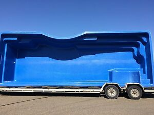 FRANKS POOLS / Fibreglass Pools - DIY Pools Australia - 9.5 x 4.5mtr Atlantic
