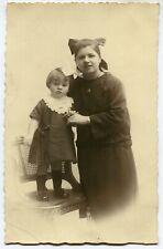 CPA - Carte Postale - Photo - Portrait d'une Femme et son Enfant (M7890)