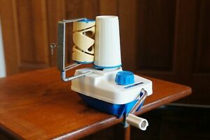 Empisal Knitmaster wool winder. Blue. With original instructions.