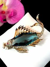 RARE 1940'S CROWN TRIFARI STERLING VERMEIL SAPPHIRE GLASS FISH BUBBLES BROOCH