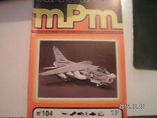 *** mPm Maquette n°104 Vought A-7 Corsair II / Mack DM-600 et DM-800